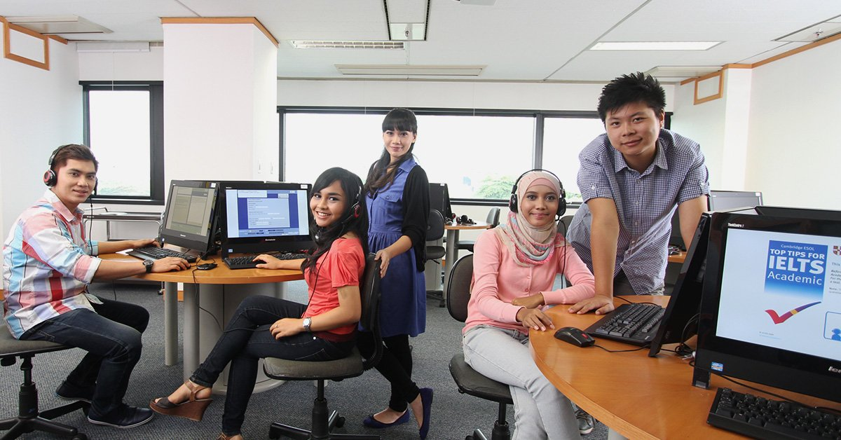 IALF Jakarta-computer-lab-Learning English-IELTS-Test-Preparation
