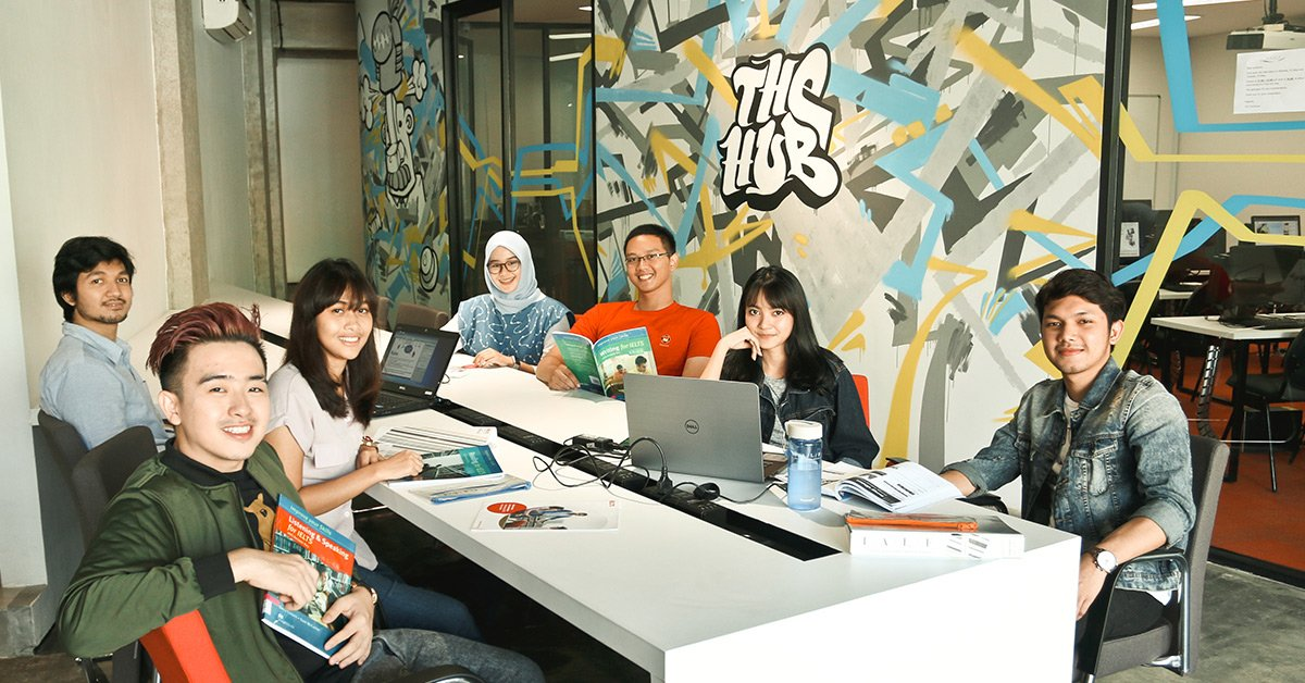 IALF Surabaya Common Area - The Hub-Learning English-IELTS-Test-Preparation