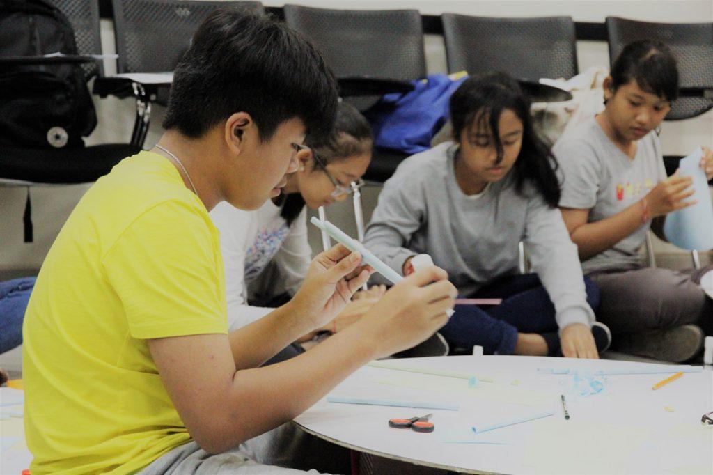 Belajar Bahasa Inggris - IALF Bali SD-SMP - 1